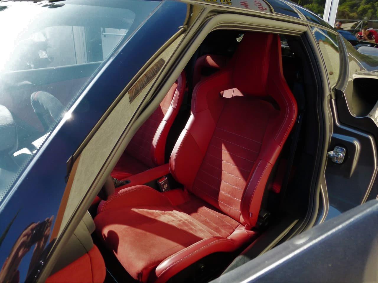 lotus evora 400, metallic grey, intérieur cuir / alcantara (rouge